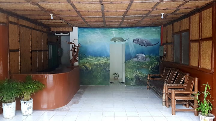 Coron Backpackers Inn - Change.Begin.Immerse