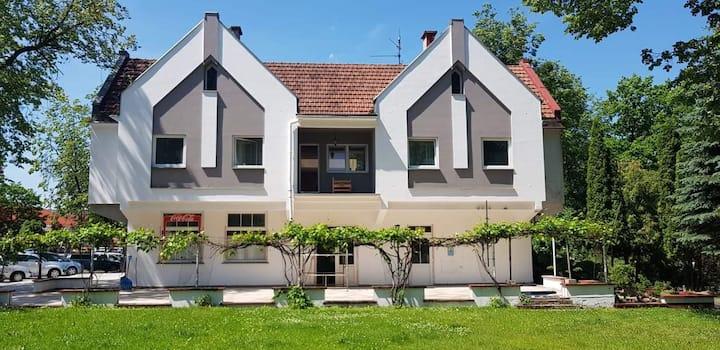 Parkova restobar & apartamenty