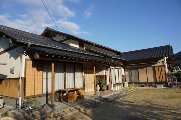 日本の原風景が残る田染。国宝富貴寺も近く。田舎家田しぶ(1泊2食付き)