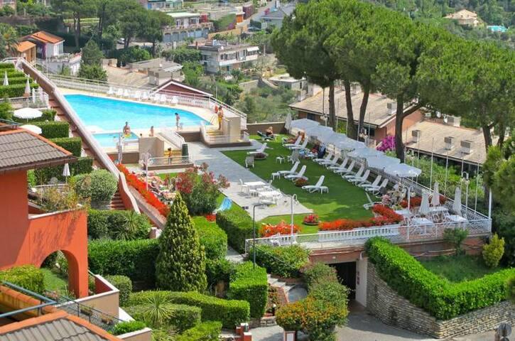 Portofino Est. appartamento in residence