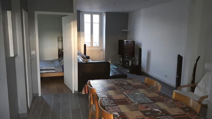 Appartement 2 pièces tout confort place de la Rep