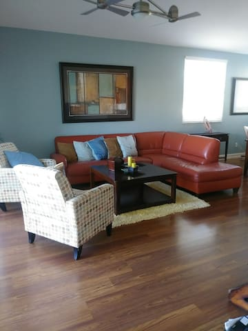 Sunny, Modern, Spacious Comfy South Ft Myers Condo