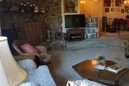 Cozy Colo Springs Home near transportation routes
