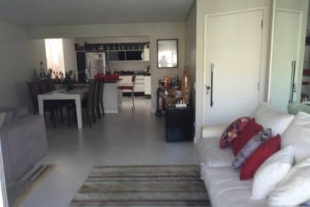 Suite em Ap Cool em Pinheiros - São Paulo