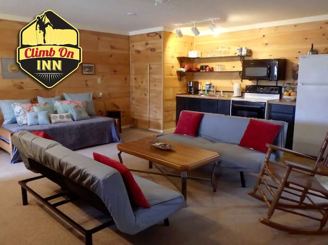 CLIMB ON INN - Apt. #1 - Adventure Group Getaway - Pine Ridge - Daire