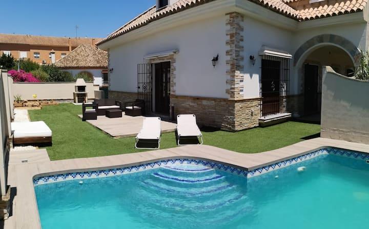 Magnífica casa,piscina y jardin