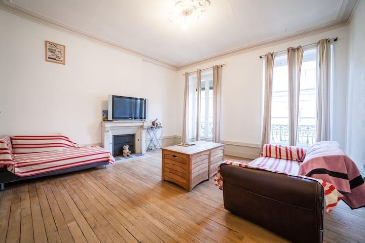 Appartement 190m2 centre historique de Brive - Brive-la-Gaillarde - Leilighet