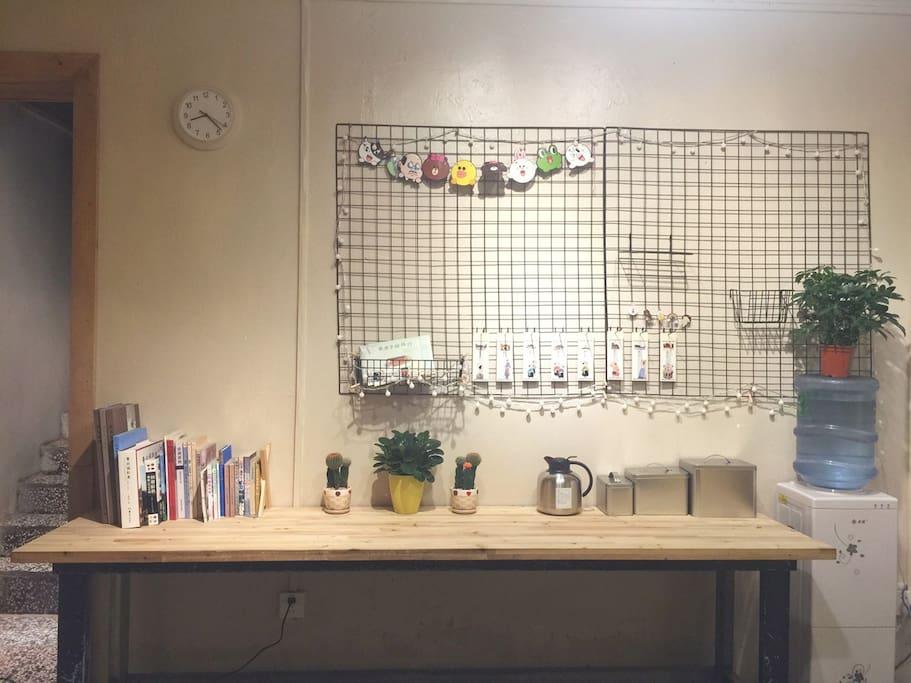 照片墙、书桌