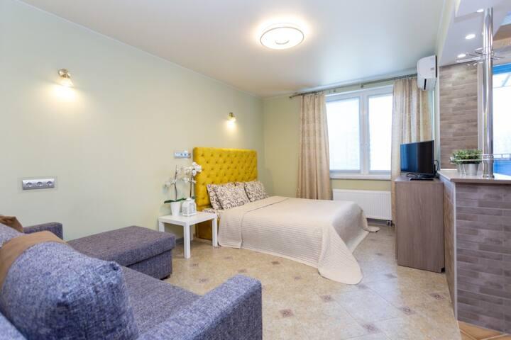 Apartment Bratskaya 8