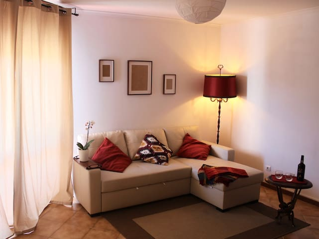 Comfy and Well-lit Apartment in Marvila