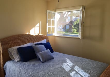 Private room / shared bath - historic neighborhood - Torrance - Hus