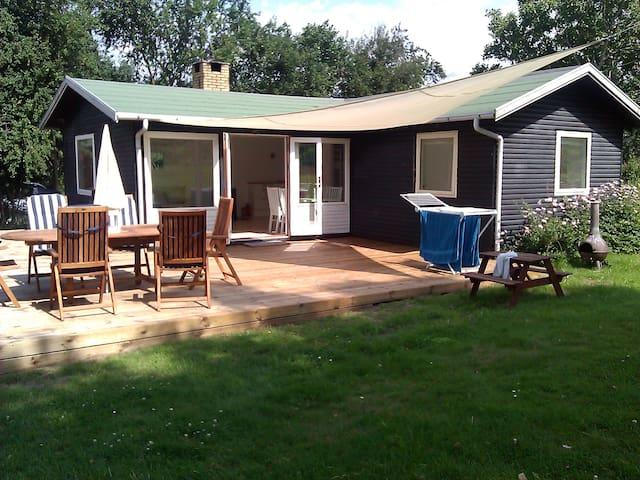 Cosy Danish summerhouse