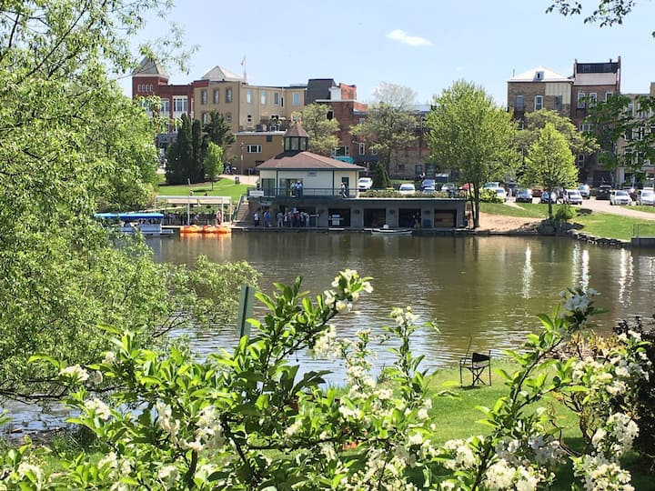2BR Delaney Apt - Meladale on the Avon