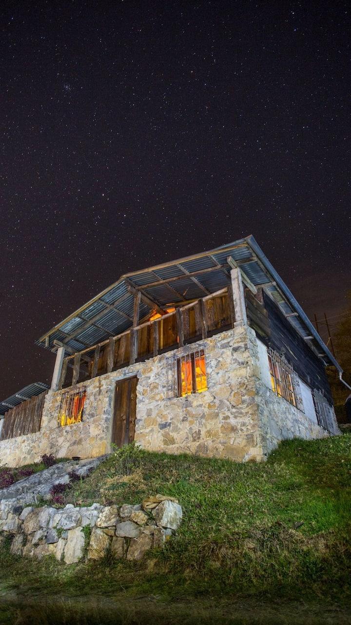 Cabaña en la montaña y rutas turisticas¡¡¡