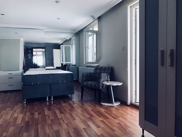 Private Room + Bathroom (Couples/Females only)