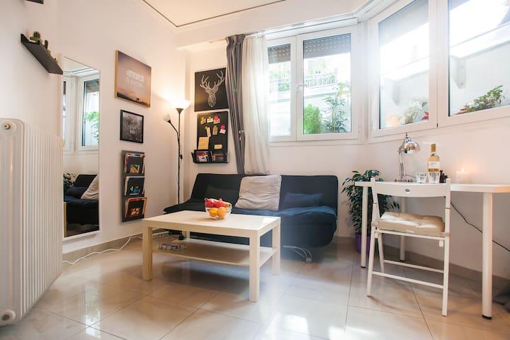 Next to Acropolis cozy apartment - Athina