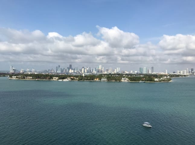 Amazing South Beach water view in condo compound! - Miami Beach - Apartamento