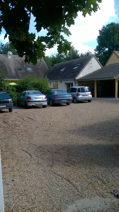 parking exterieur ferme