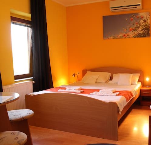 Motel room in Subotica, free WiFi and parking!