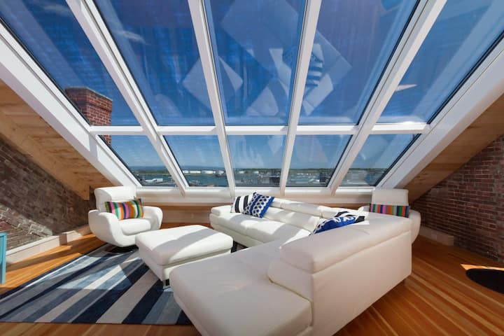 """Percival"" Penthouse Suite - Amazing Harbor Views"