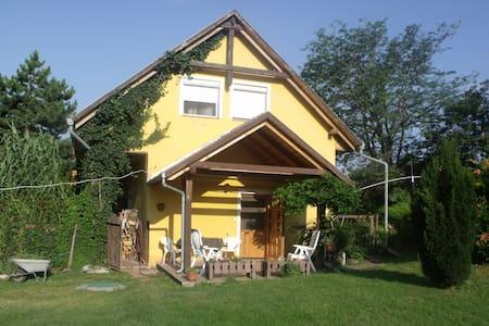 Szállás a Mecsek alján,/Pécs - Cserkút - Διαμέρισμα