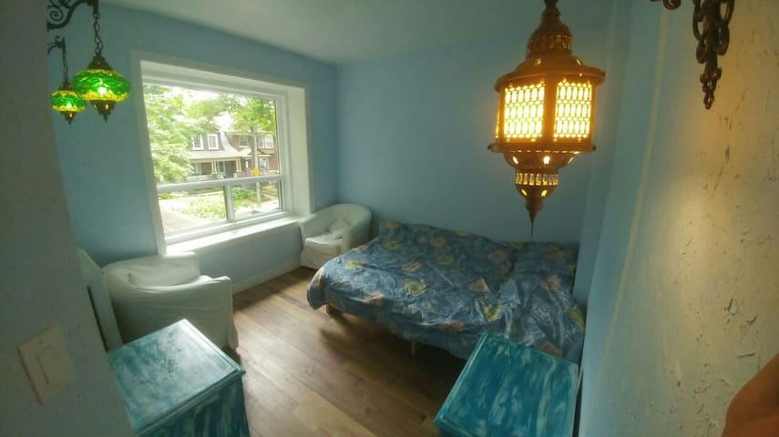 Private (Blue) Room. (CNE & Liberty Village)
