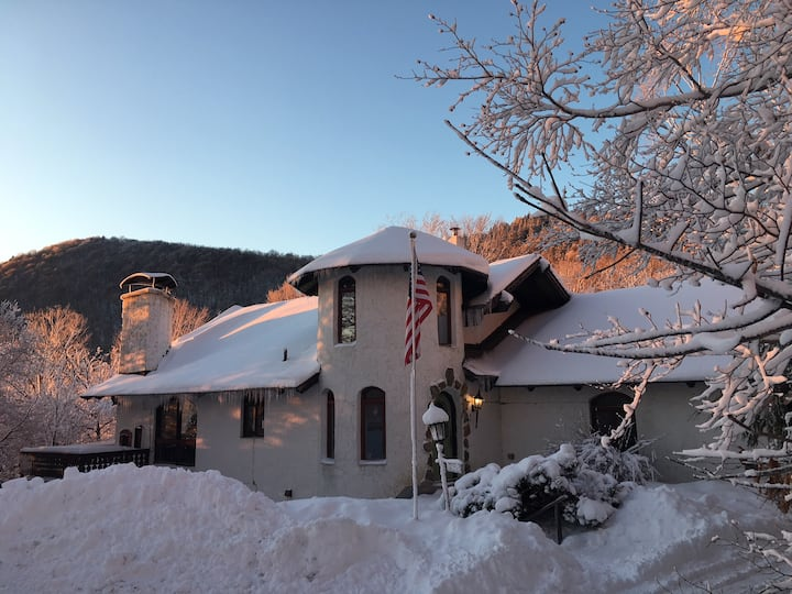 Killington VT Chalet - Lower apartment