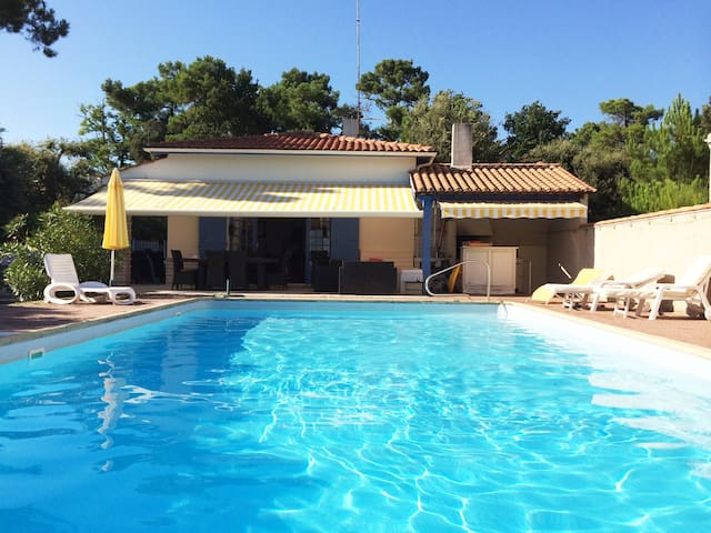 Large villa 170m2 with swimming pool and sea view