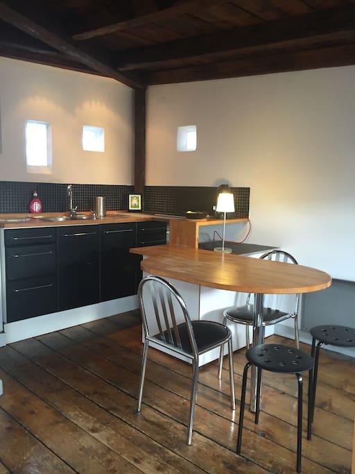 studio spacieux atypique la krutnau appartements louer strasbourg alsace champagne. Black Bedroom Furniture Sets. Home Design Ideas