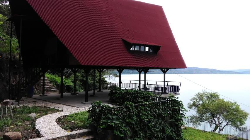 Peaceful Private Apartment - Lake Toba at Dapdap