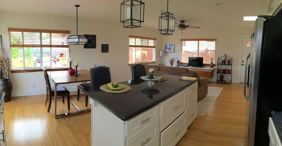 Fully Furnished Short Term Rental - Wahiawa