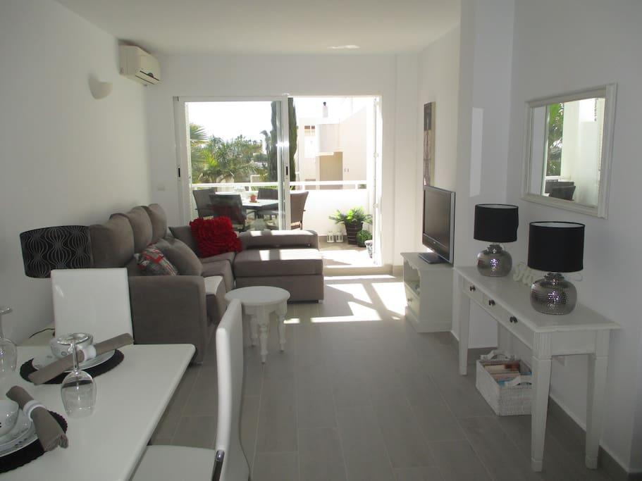 Luxury ground floor 2 bed 2 bath apartment apartamentos en alquiler en moj car andaluc a espa a - Apartamentos alquiler mojacar ...