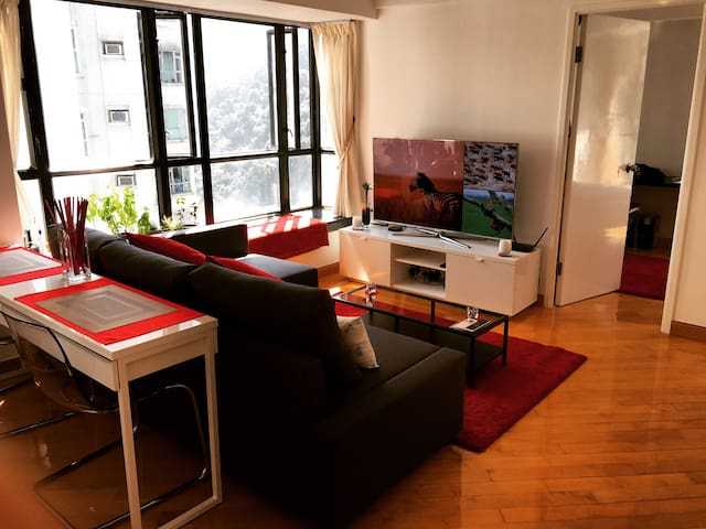 Spacious Apt in Central Mid Levels - Mid Levels - Leilighet