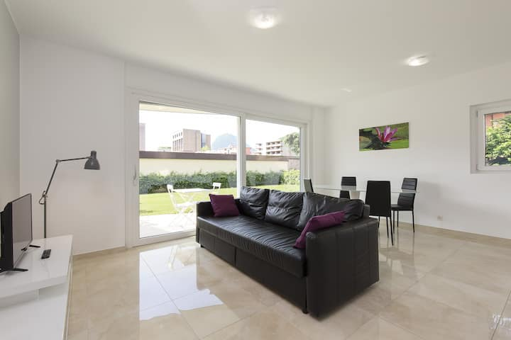Bright Apartment with Garden (ROGGIA 2)