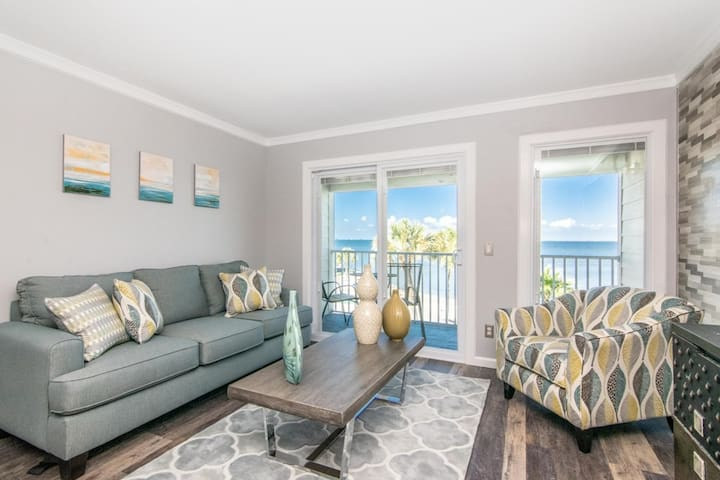 Beautiful Bay View Condo (newly remodeled)