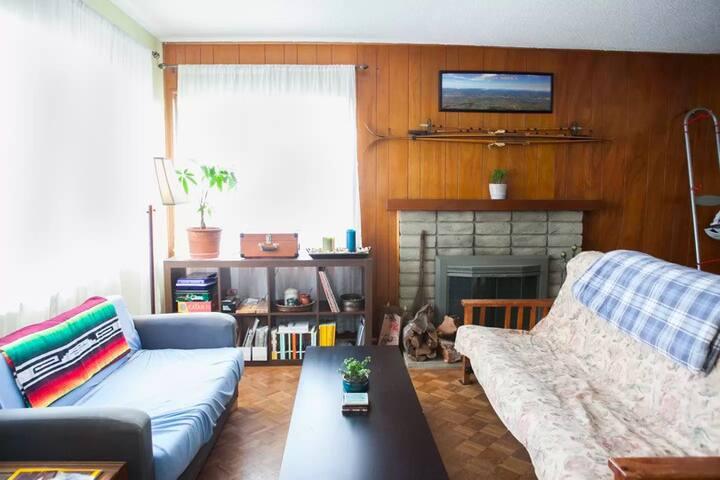 Cozy home in Isla Vista, a short walk to UCSB