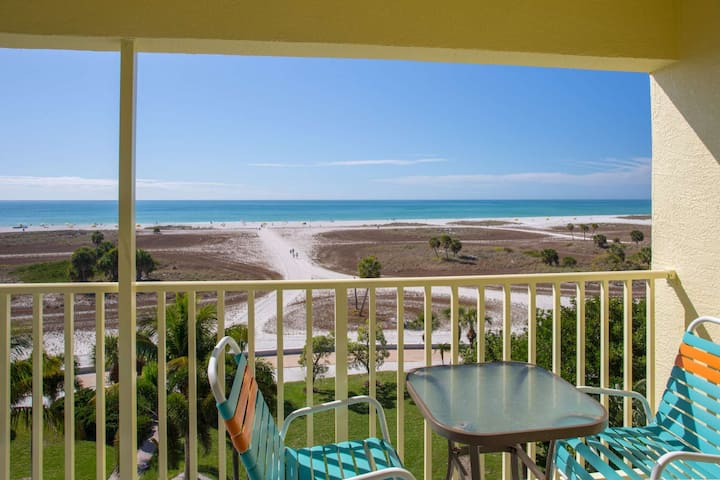 Fantastic Location on the Beach. Great Value in a Premier Resort.