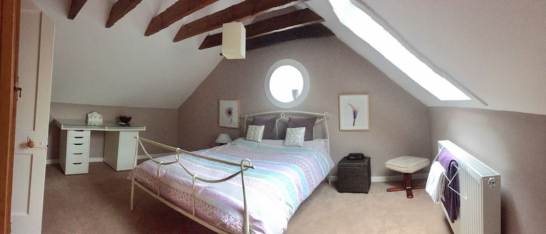 Cozy converted barn in peaceful location, Midlem.