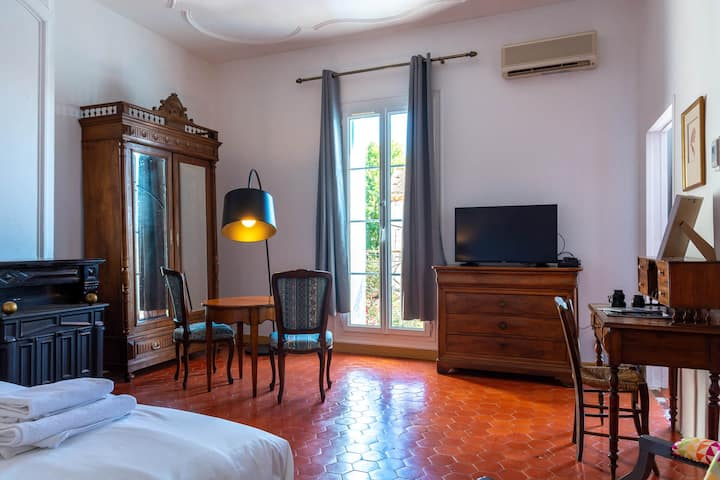 Entre MIDI - Deluxe Family Suite with Breakfast