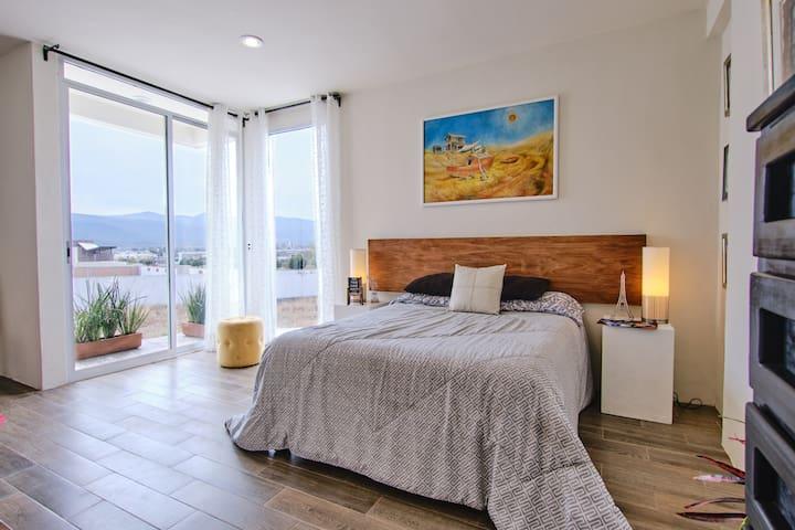 Disfruta tu alojamiento en una confortable Suite