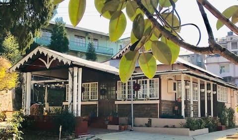 Midhill Cottage: Wildrose Suite