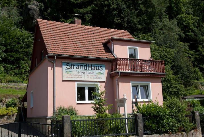 Strandhaus an der Elbe mitten im Nationalpark