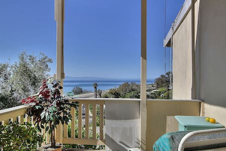 2BR Breezy Summerland Home - Summerland - Talo