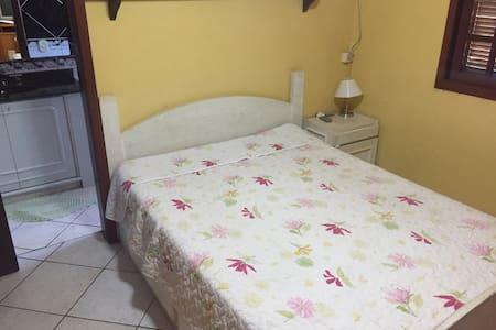 Suíte, cama de casal,wifi e piscina - Foz do Iguaçu - House