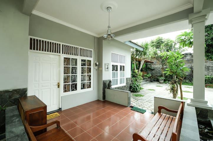 *PROMO* 4BR House at Pondok Toemaritis 2