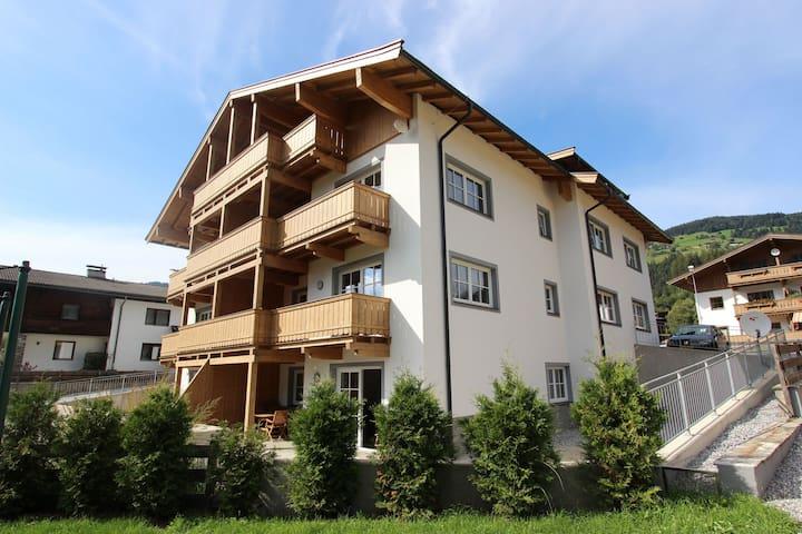 apartamento nuevo y moderno en la parte superior-Brixen im Thale