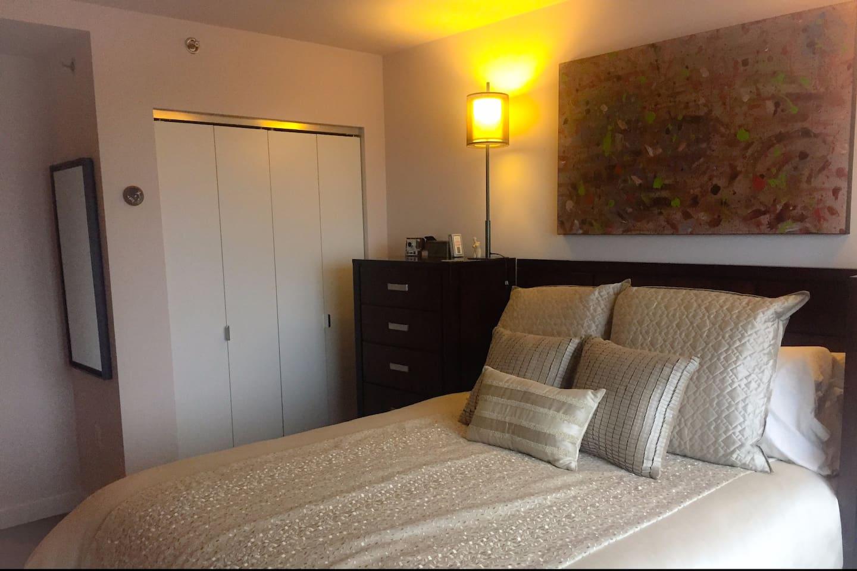 Sunny, Private Bedroom
