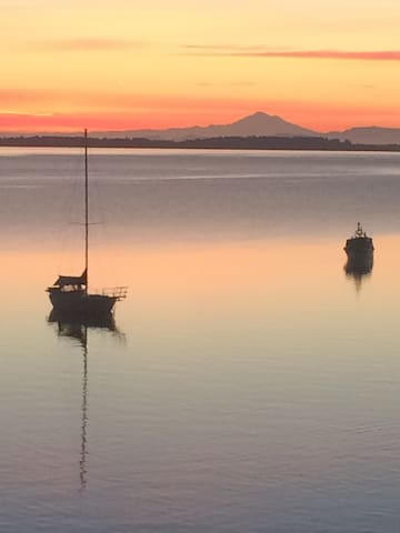 Mill Bay Moments Oceanfront Bedroom & Kitchenette