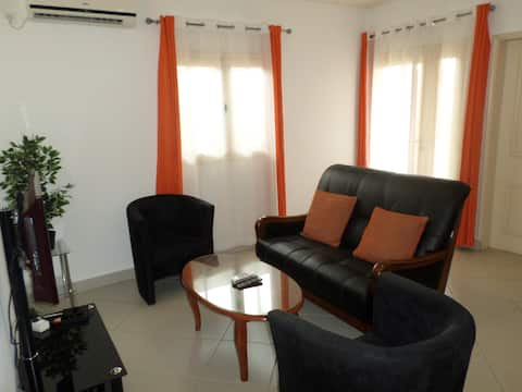 Independant 1 BDR. house near : Airport and beach