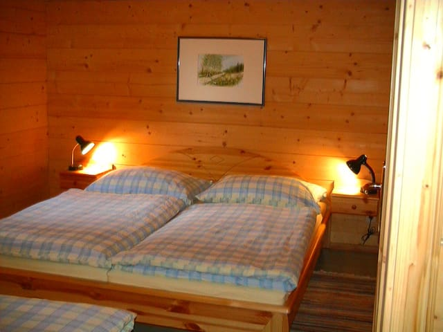 Schlafraum mit 3 Betten